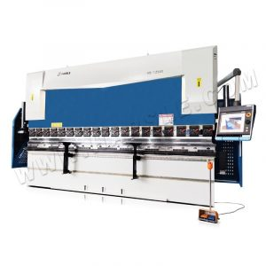 135 ton CNC Press Brake with  DA-66T ,6-Axis CNC Back Gauge